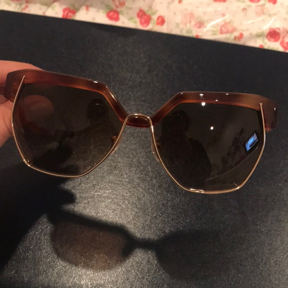 4668a779d45f Chloe Accessories - Chloé Sunglasses 🌟NWOT🌟
